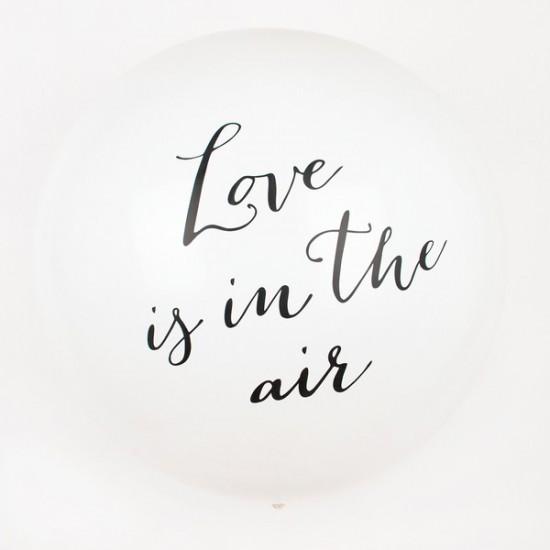 1 ballon géant Love is in the air