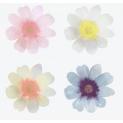 8 assiettes fleurs pastels