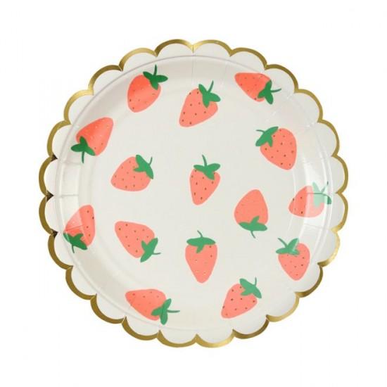 8 petites assiettes fraise