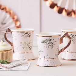 8 tasses de thé en carton